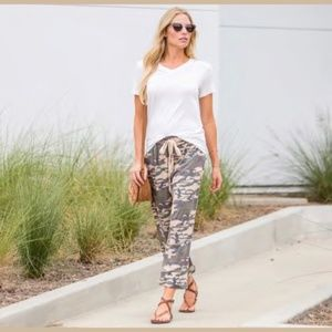 Pants - Muted Camo Crop Lounge Pants XL NWT